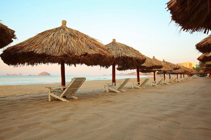 Krystal International Vacation Club Reviews Relaxing at the Beach