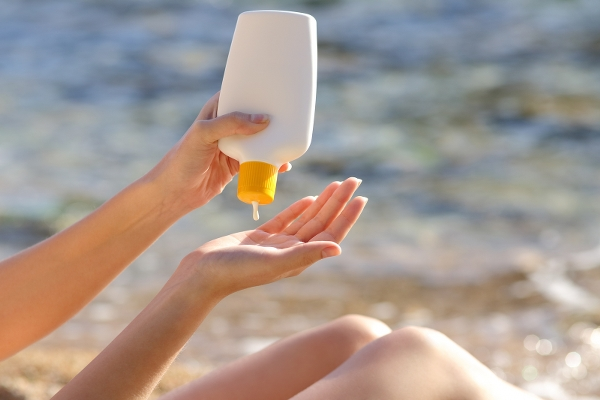 Krystal International Vacation Club says it is best to use sunscreen while at the beach.